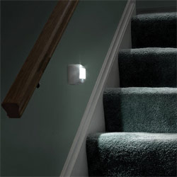 Wireless Motion Sensing Indoor-Outdoor Step Light
